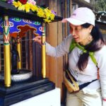花まつり立禅ハイキング。天上寺で、お釈迦様の誕生仏に甘茶をかけました。